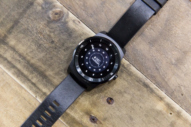 Wi-Fi And Gestures Could Soon Help Android Wear Match Some Apple Watch Advantages